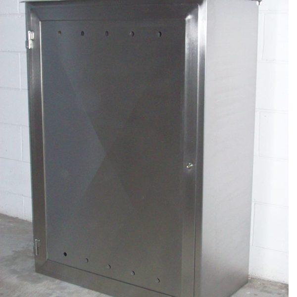 armadio con serratura