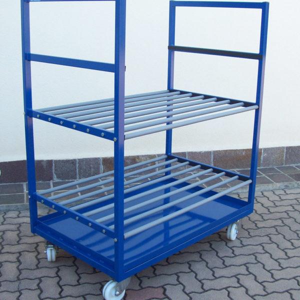 carrello con sponde, ripiani e vasca