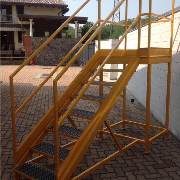 scala gialla